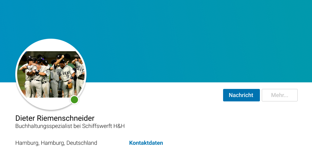 Linkedin Profilbild mit Fußballteam